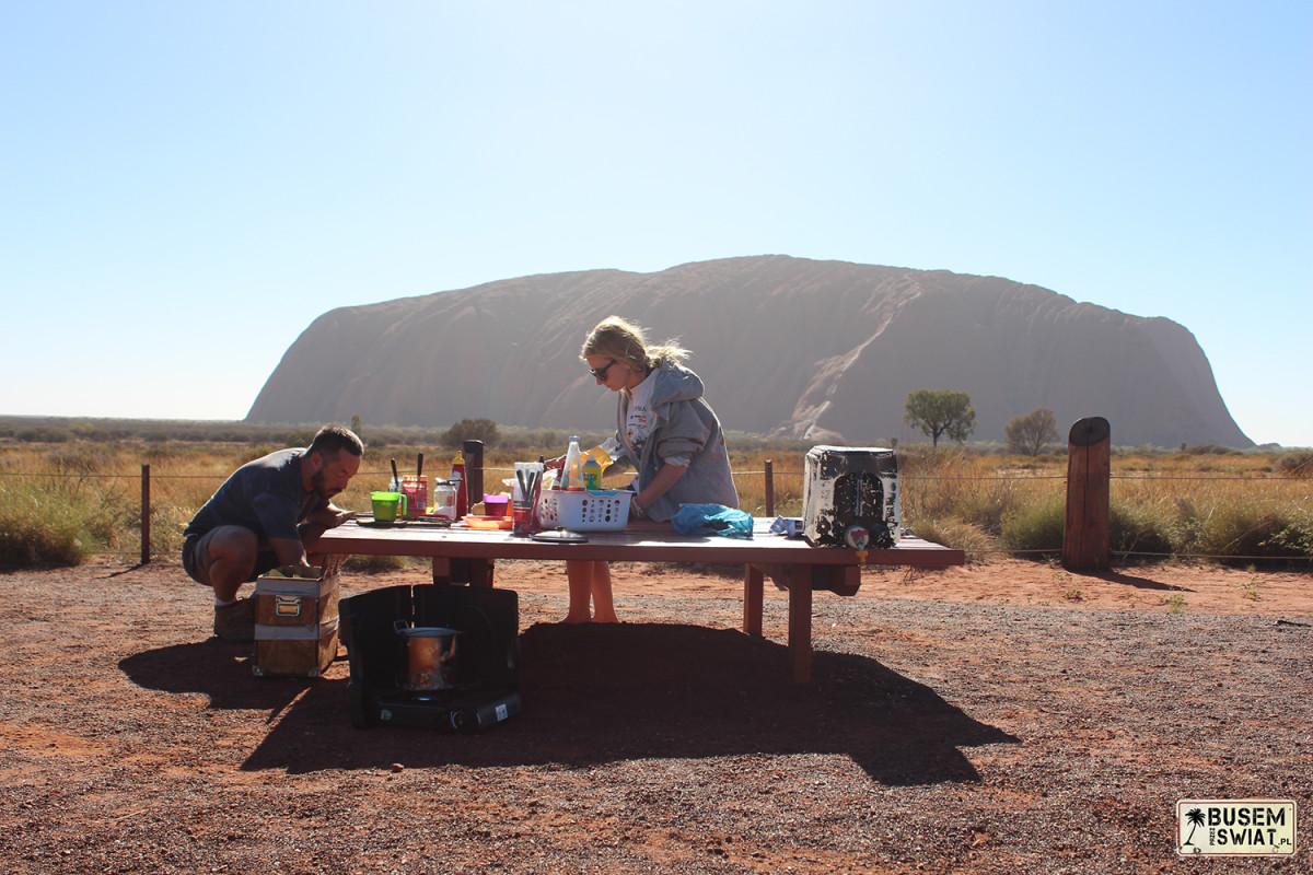 Śniadanie przy Uluru, Australia