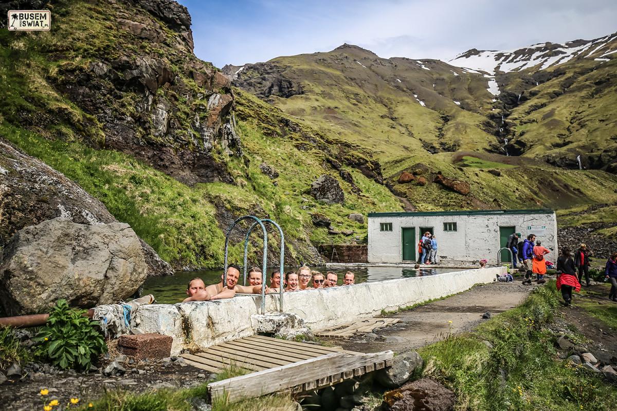Opuszczony gorący basen na Islandii