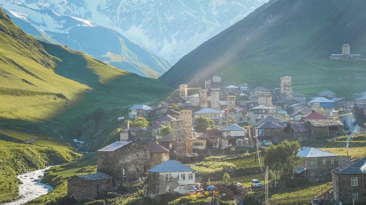 Ushguli Gruzja Swanetia wieże obronne