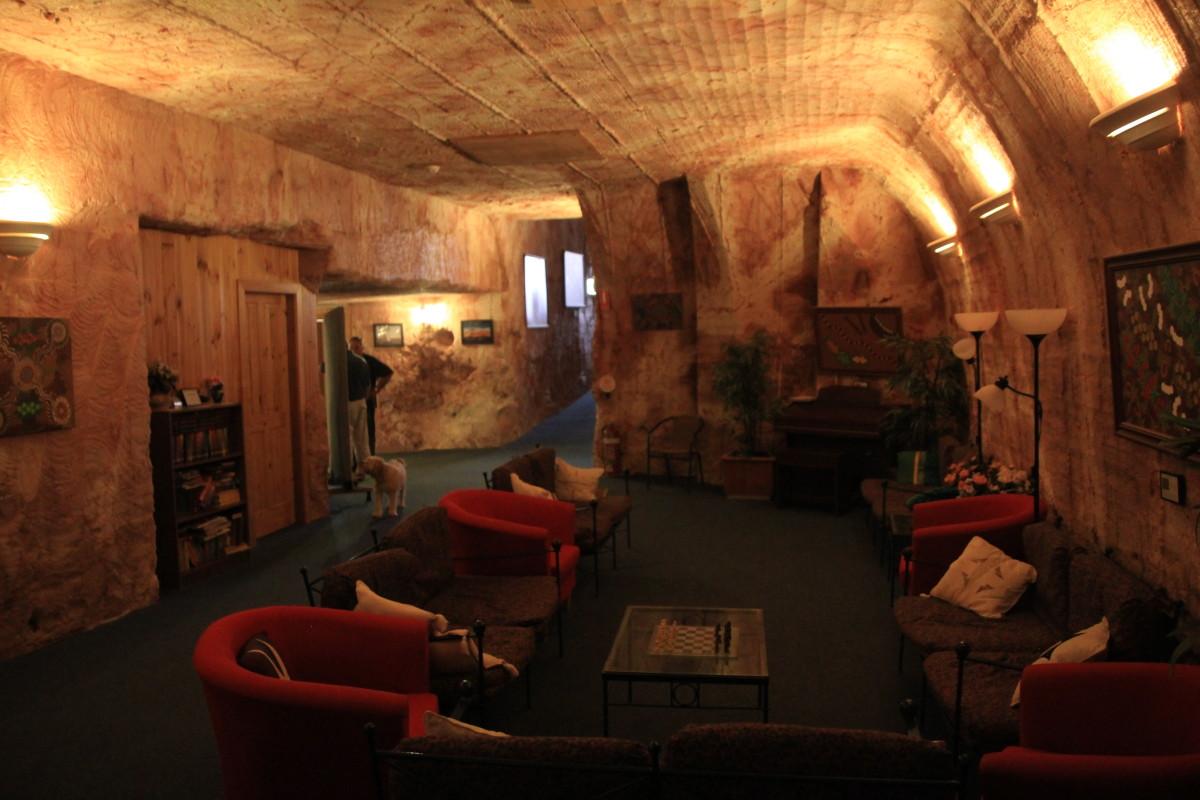 podziemny motel