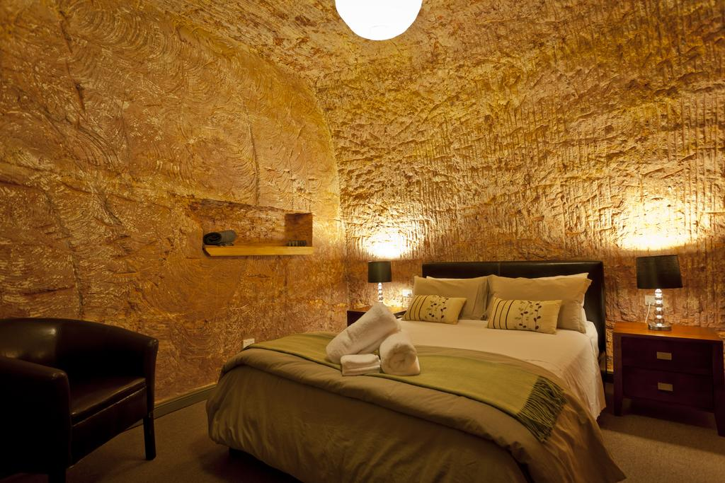 Coober Pedy - The Lookout Cave Underground Motel