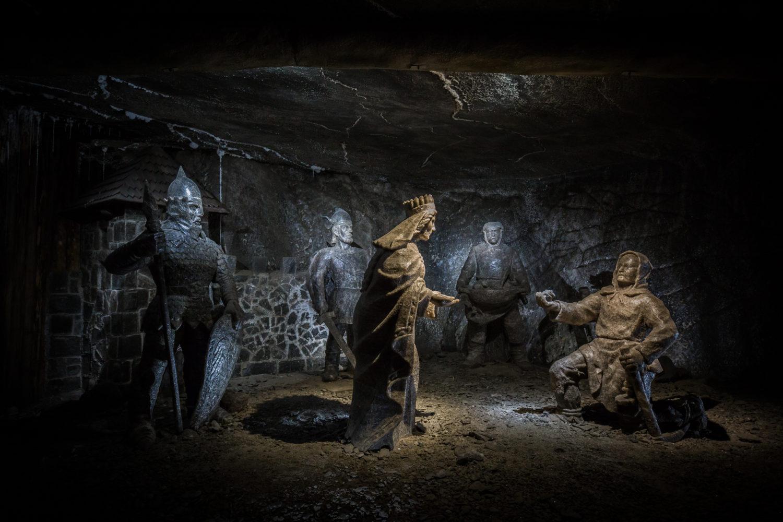 Solne rzeźby opowiadające legendę o powstaniu Wieliczki